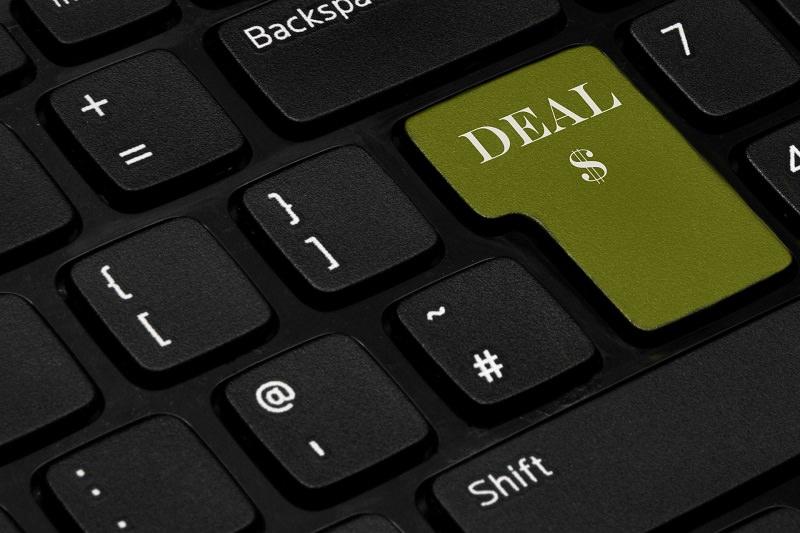 Domani parte Crazy Web Shopping, la notte bianca degli acquisti online. Truffe e raggiri in agguato