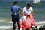 Accusa malore dopo bagno in mare, vacanza si trasforma in tragedia: morta turista