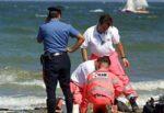 Malore fatale mentre fa il bagno: uomo muore nonostante i soccorsi