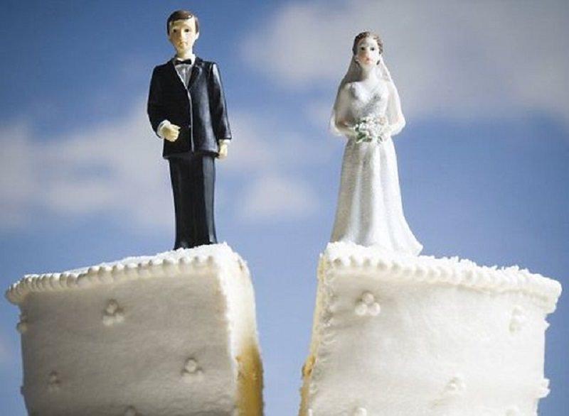 """Salta il matrimonio, lui le intesta la casa da fidanzati e chiede il dono indietro ma la Cassazione dice """"No"""""""
