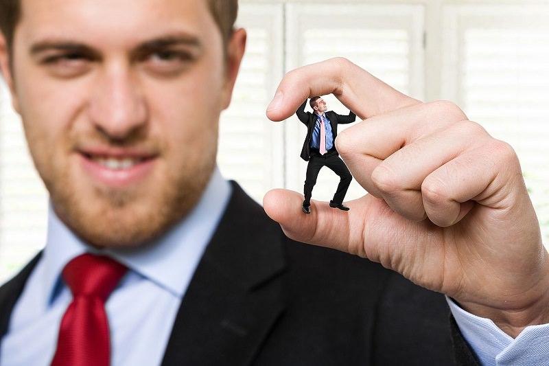 Declassamento di ruolo ed esclusione: ecco tutte le forme di mobbing
