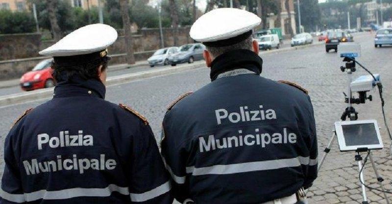 San Vito Lo Capo: sequestrati oltre 18mila articoli di oggettistica
