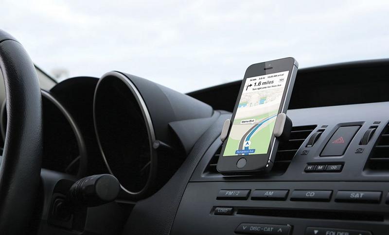 iPhone, nuova app per la sicurezza stradale: blocca le notifiche mentre si guida