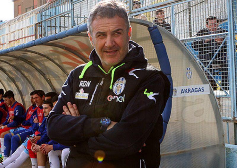 Akragas, esonerato Di Napoli: la vittoria manca da più di tre mesi. Squadra a Criaco