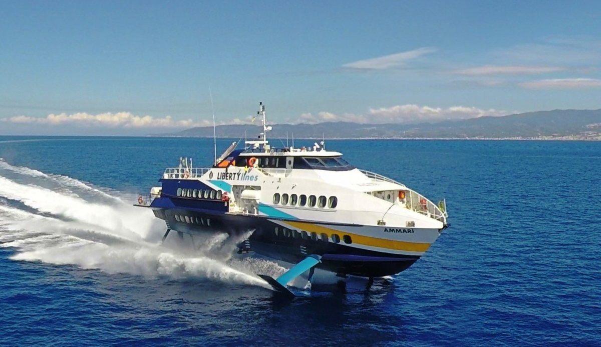 Isole Eolie, la Regione autorizza corse straordinarie di aliscafi della Liberty Lines