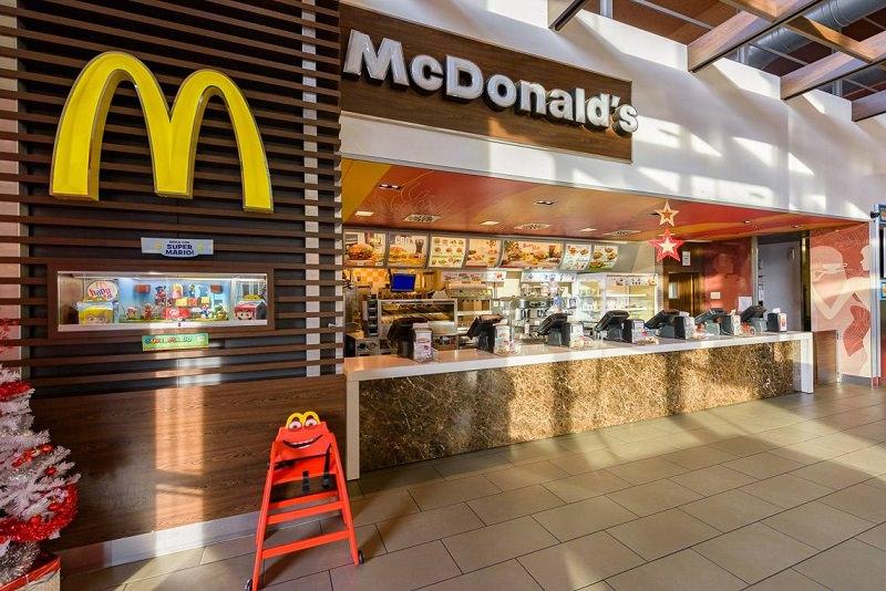 Tentano di rubare al Mc Donald\'s del Centro Sicilia, si danno alla ...
