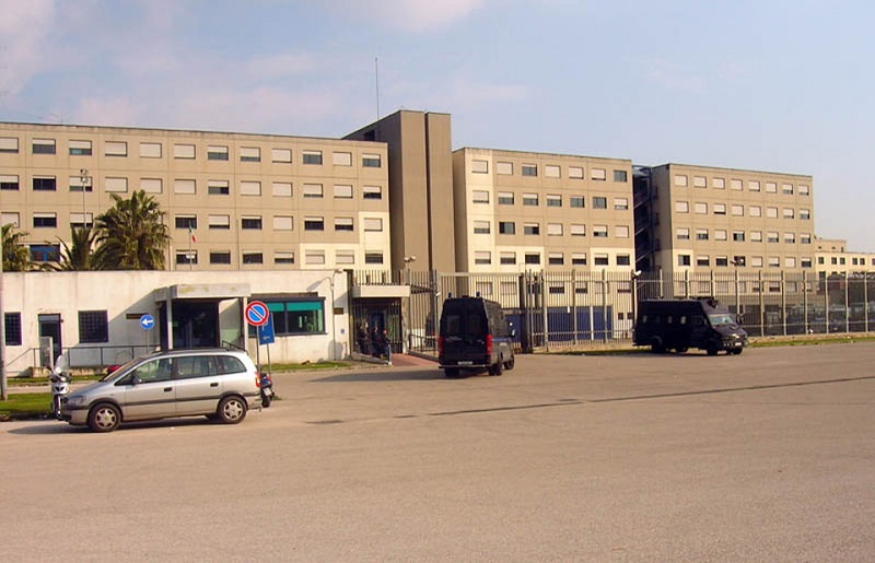 Aggressione in carcere, agente preso a pugni da un detenuto