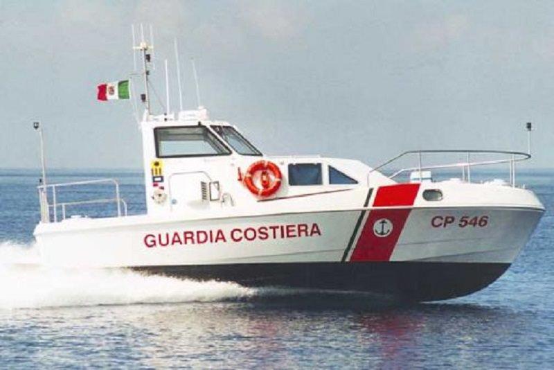 Cadavere trovato in mare: la vittima è un uomo di 54 anni