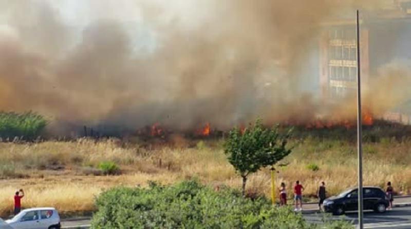 A18 Catania-Messina chiusa (ma riaperta in serata) per nuovi incendi