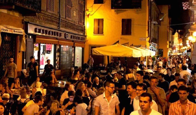 Stop a bevande in bottiglia, scatta oggi l'ordinanza in un comune siciliano: multe salatissime in caso di violazione