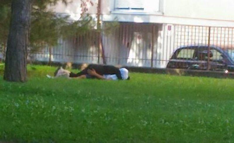 Sesso al parco davanti ai bambini, forte sgomento ma nessuna denuncia