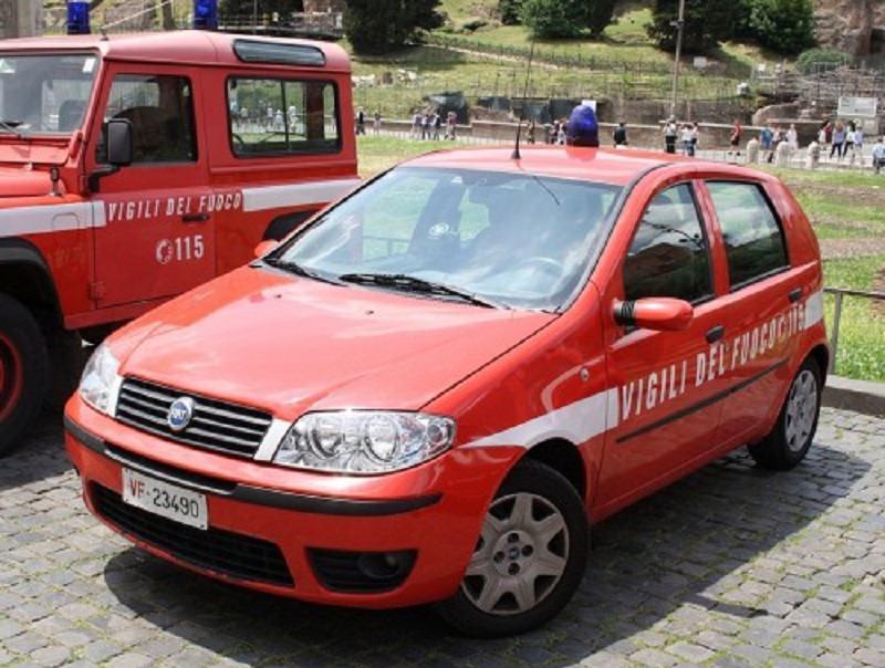 Paura in Piazza Cavour, cadono calcinacci da un palazzo: secondo caso in poche settimane