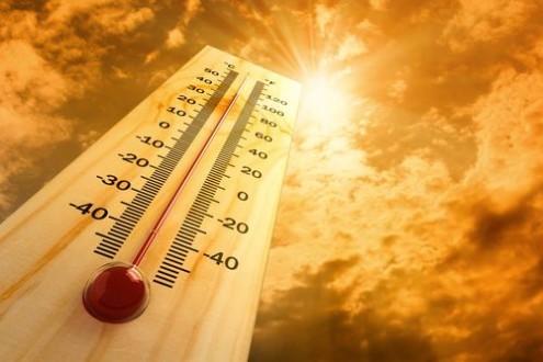 Meteo, in Sicilia prosegue l'ondata di calore: allerta arancione a Catania e Palermo, temperature in rialzo
