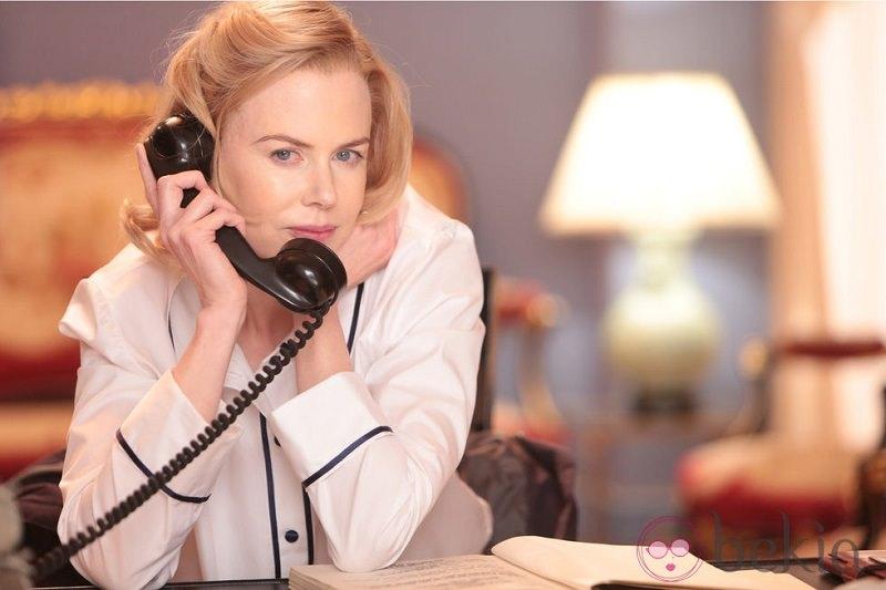Problemi con il cellulare, la Kidman rischia di perdere i suoi scatti siciliani, per fortuna c'era un riberese