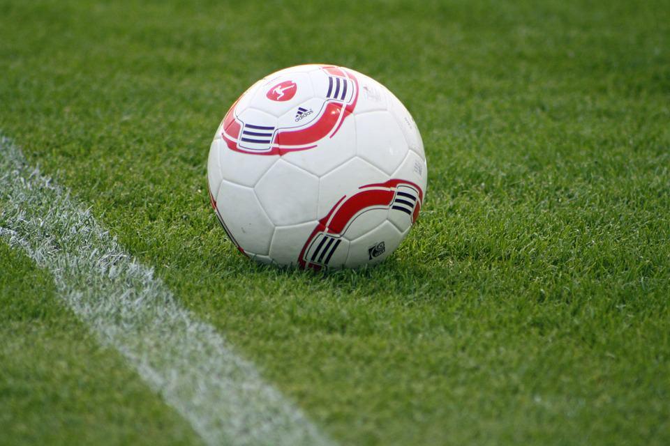 Discriminazione durante partita di calcio: cori razzisti contro 11enne