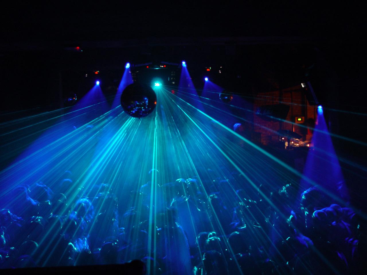 """Emergenza Covid e discoteche siciliane, Assointrattenimento: """"Luoghi di intrattenimento alternativa a feste senza scrupoli"""""""