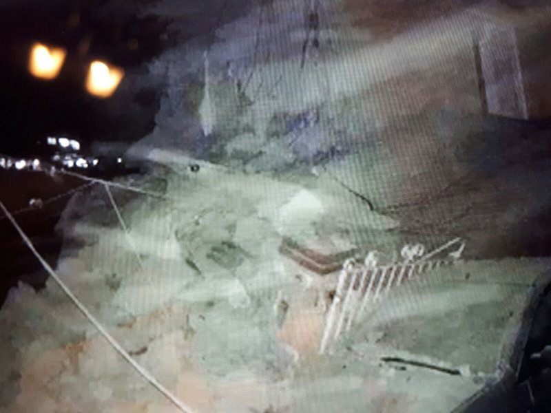 Terremoto a Ischia, una donna morta e 25 feriti. Altre persone ancora sotto le macerie.