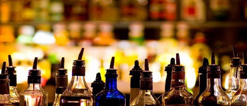 Sequestrato un minimarket in via San Lorenzo: titolare senza mascherina somministrava alcolici