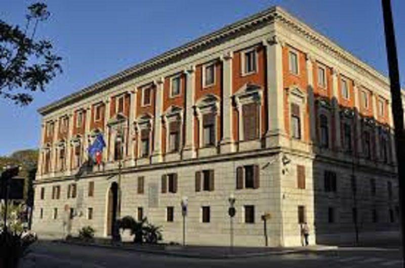 Allude a contatti con Messina Denaro: ex sindaco denuncia ex prefetto