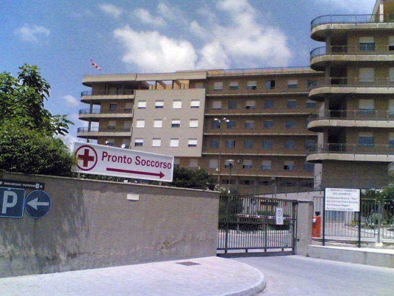 Coronavirus Sicilia, pazienti e infermieri positivi all'ospedale di Canicattì: chiude il reparto di Medicina