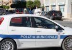 Incidente a Palermo, scontro tra auto e camion. Due feriti e traffico in tilt: municipale sul posto