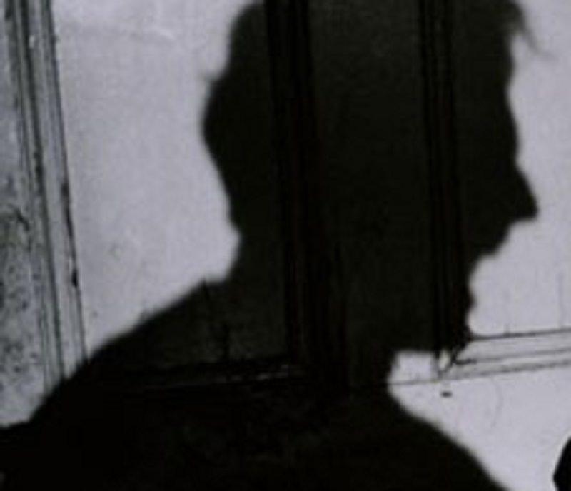 """Schiaffi e minacce per """"sfrattare"""" famiglia da casa nel centro storico: 2 arresti – I DETTAGLI"""