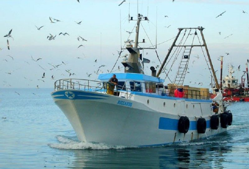 """Sequestrato in acque internazionali il peschereccio """"Anna Madre"""": chiesti circa 70mila euro per il rilascio"""