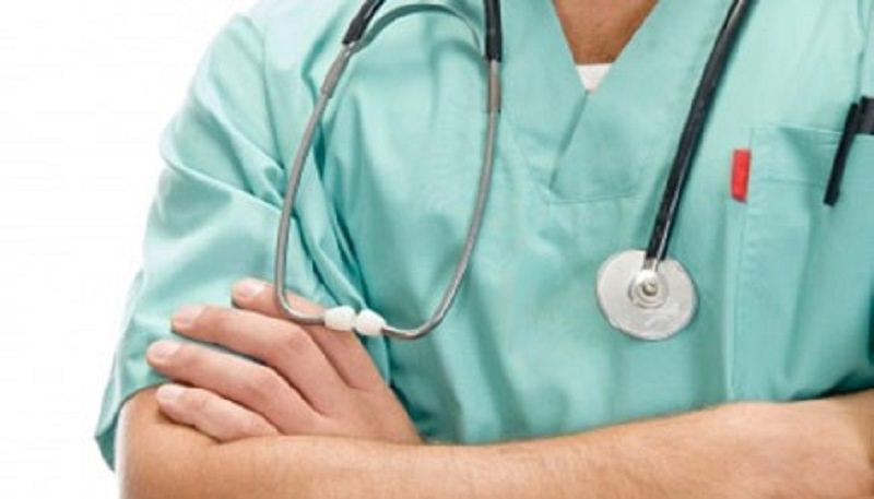 Infermiere aggredito mentre medica giovane: arrestato 21enne