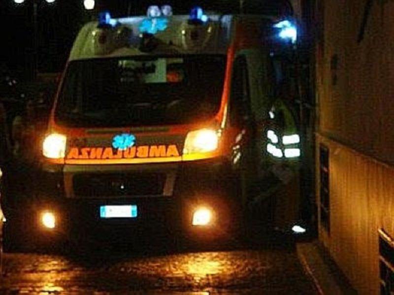 Fiat Panda si schianta contro un muro: deceduto il conducente 21enne, un'altra giovane vittima strappata alla vita