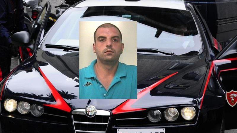 Soldi e sigarette, altrimenti avrebbe minacciato la madre di morte: arrestato estorsore