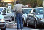 Parcheggiatori abusivi al centro di Catania: 3 Daspo urbani, revocato reddito di cittadinanza a 6 persone