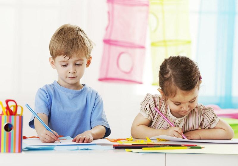 Rientro a scuola post emergenza, genitori preoccupati per i piccoli. Il parere dello psicologo