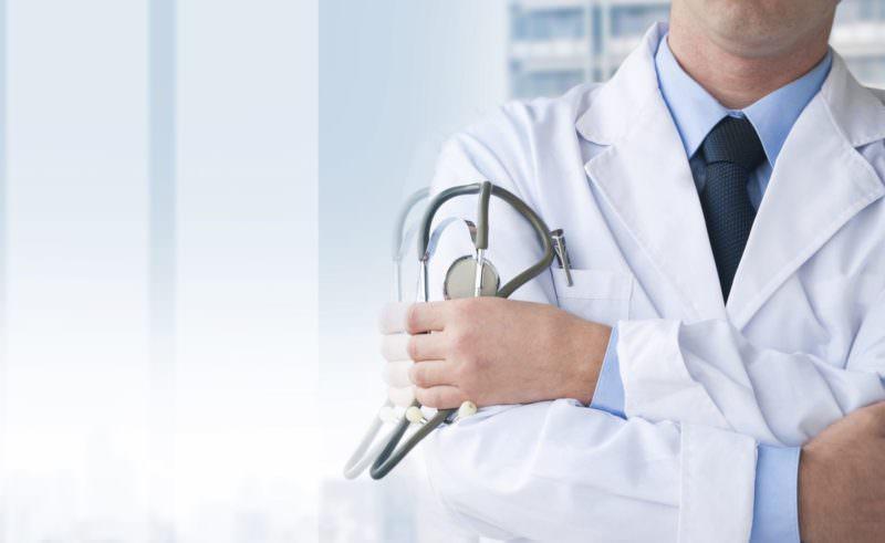 Certificato di invalidità falso in cambio di denaro: medico dirigente dell'Asp condannato per corruzione