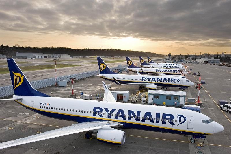 Rynair, puntualità in calo esponenziale: annullati 40-50 voli per le prossime sei settimane