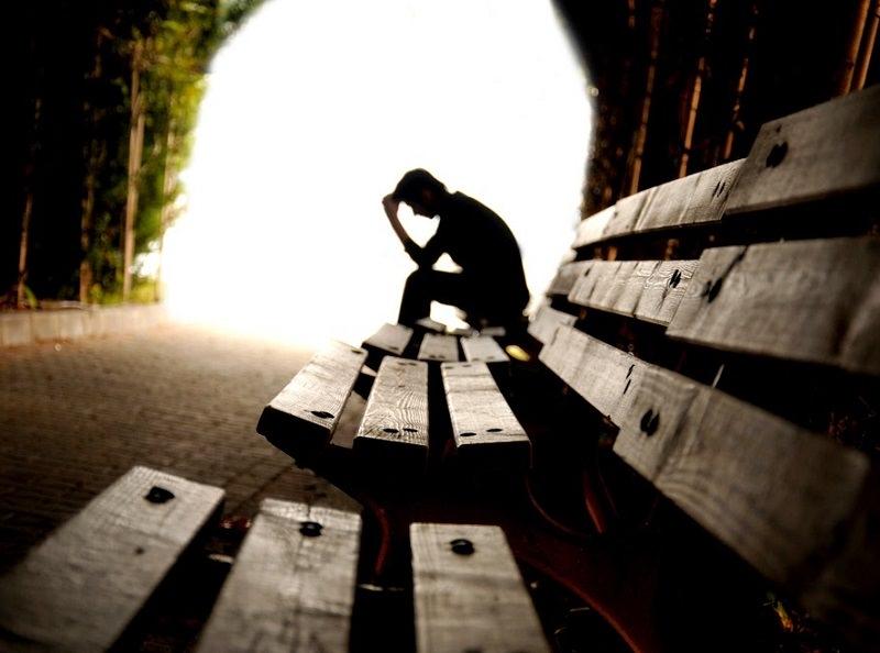 Troppi suicidi in Italia? Le statistiche ci aiutano a comprendere il fenomeno