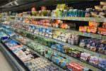 Alimenti in cattive condizioni in un supermercato del centro: scatta il sequestro