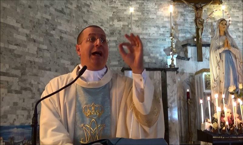 Aveva contestato pubblicamente il Papa: la nuova chiesa di Don Minutella è abusiva