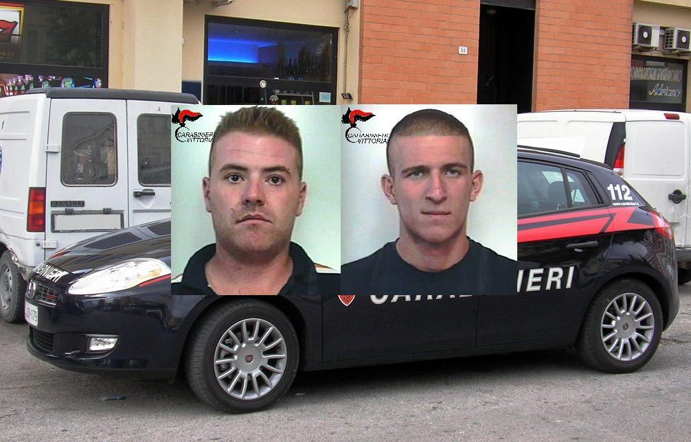 Portano via grate in ferro, ma vengono beccati dai carabinieri: finiscono ai domiciliari