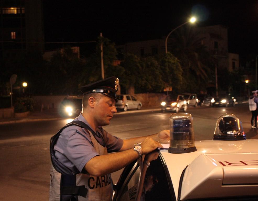 """Sabato sera a suon di """"paletta"""": posti di blocco in varie zone del Catanese, raffica di denunce e sequestri"""