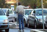 Parcheggiatori abusivi recidivi, non c'è tregua a Catania per loro: 47enne sanzionato 41 volte