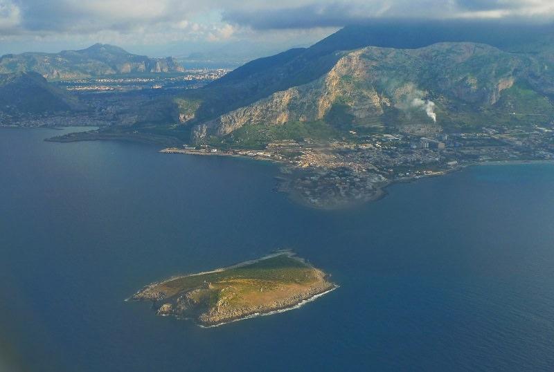 Isola delle Femmine in vendita a 3 mln e mezzo: l'annuncio sul sito di un'agenzia