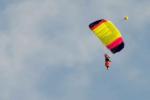 Si schianta al suolo con il paracadute: morto carabiniere di Serradifalco