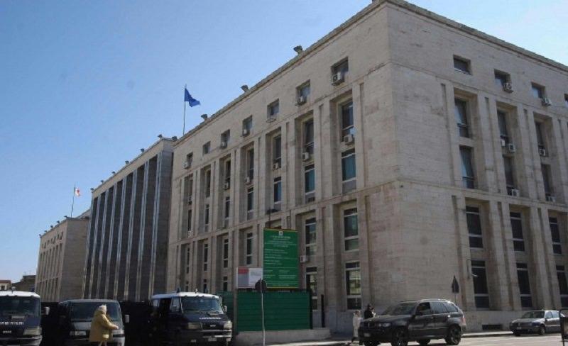 Maxi rissa tra giovani a Mondello, obbligo di presentazione per 2 imputati: capi d'accusa invariati