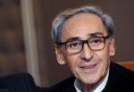 """È morto Franco Battiato, dalla """"Sua"""" Sicilia all'Italia: è lutto nel mondo della musica per il Maestro"""