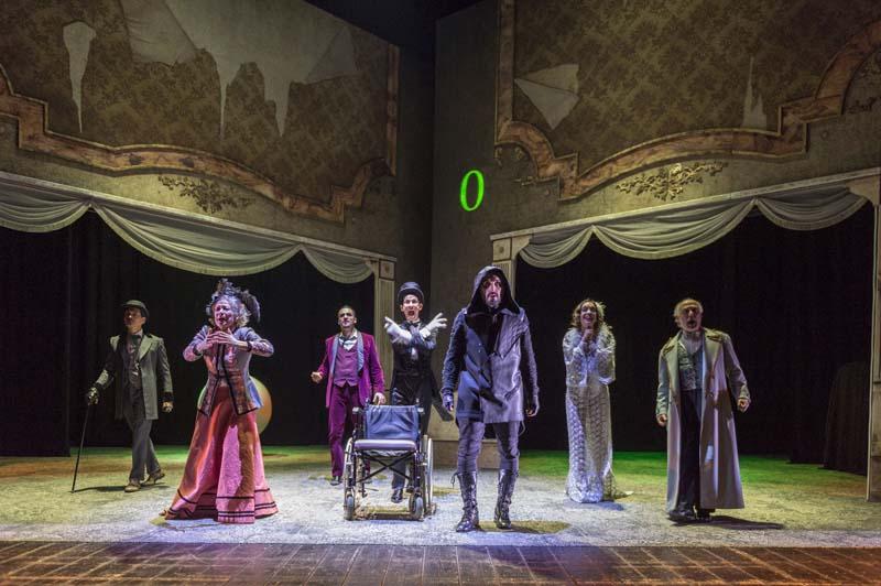 """Dostoevskij al Teatro Stabile, azzardo e frenesia vestono i panni de """"Il Giocatore"""""""