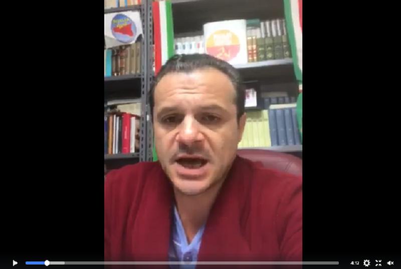 Non c'è pace per De Luca: vietata comunicazione con l'esterno dopo il video su Facebook