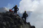Senza alcuna autorizzazione e abilitazione, portava i turisti sull'Etna: denunciata guida