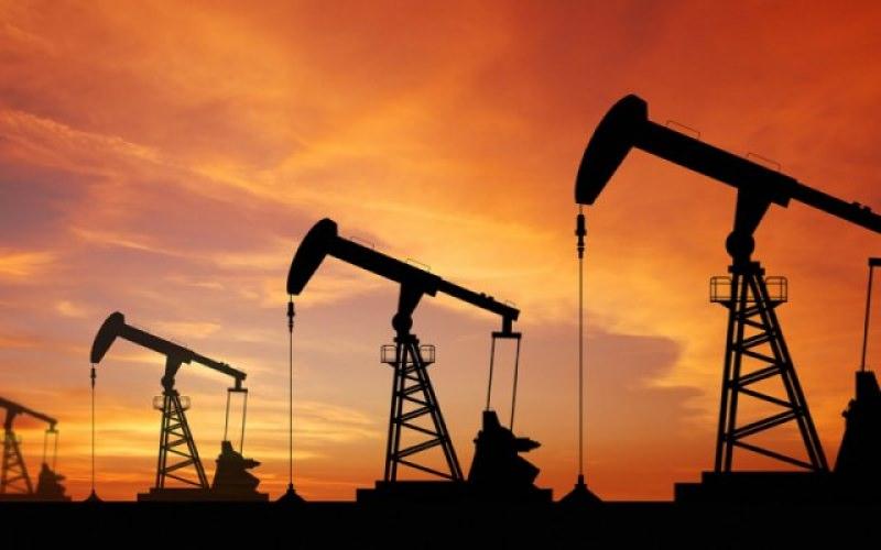 """Scontro Iran-Usa, i missili """"colpiscono"""" anche l'economia mondiale: petrolio e oro in rialzo"""