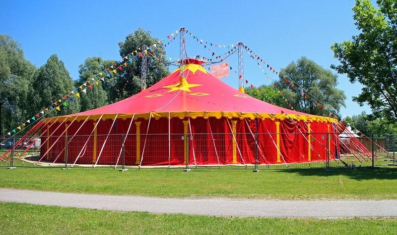 Circo, una vita girovagando tra arte e tradizione. La storia di Mia Orifici