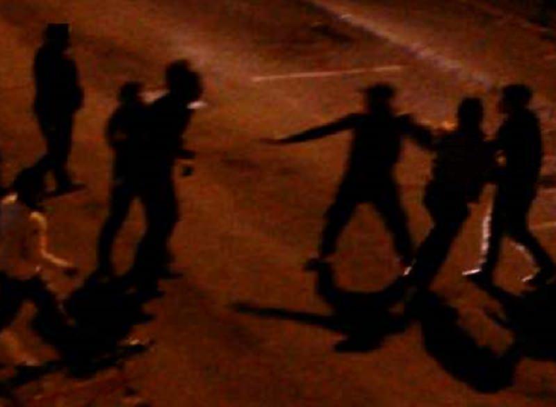 Sabato notte di violenza in città, rissa tra 6 ragazzi: 3 giovani in ospedale